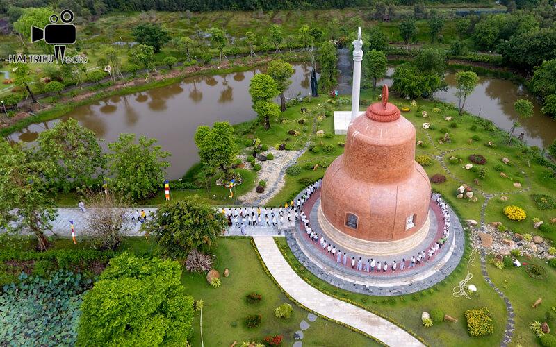 Quay phim chụp hình giới thiệu chùa ở Tiền Giang