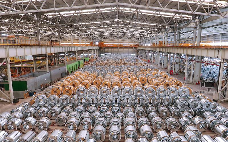 04 sản phẩm chính của CSVC: Thép cuộn Tẩy gỉ & Phủ dầu (PO) , Thép cuộn Cán nguội (CR) , Thép cuộn Mạ kẽm (CG) và Thép cuộn Điện từ (ES)